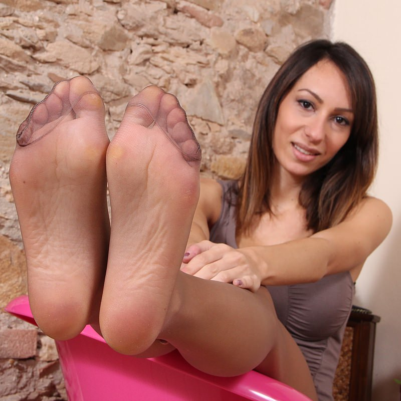 Best Nylon Feet Pictures